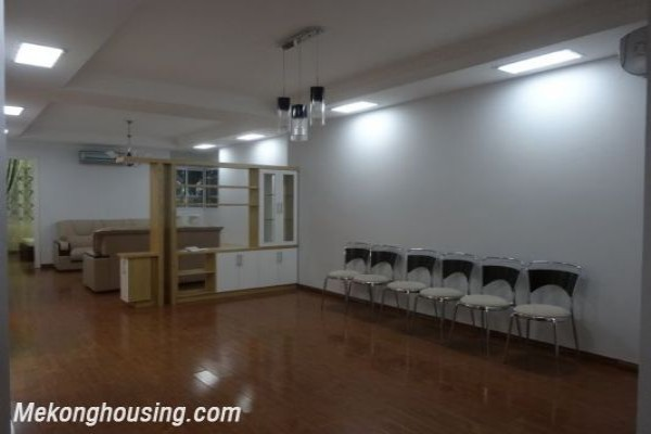 Cheap apartment with 3 bedrooom on low floor in G2, Ciputra Hanoi, full option 1