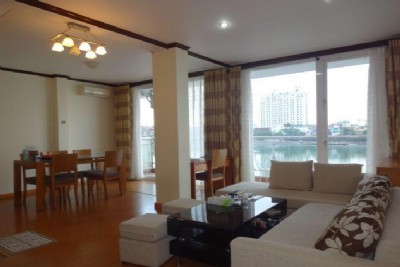 Nice lake view apartment with 2 bedrooms for rent in Xuan Dieu street, Tay Ho, Hanoi