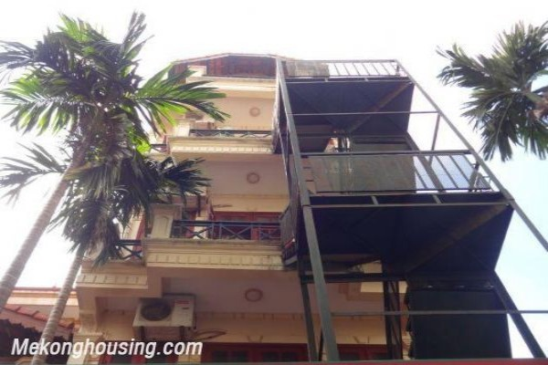 One bedroom apartment for rent in Dang Thai Mai street, Tay Ho district, Hanoi 1