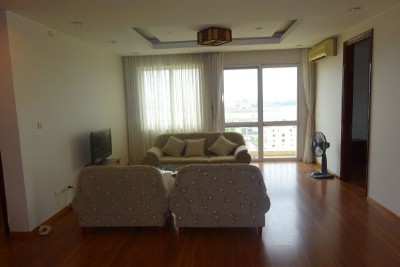 Spacious apartment with 3 bedrooms, 153m2, for lease in G2 tower, Ciputra Hanoi