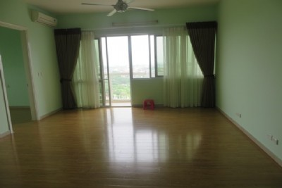 Unfurnished apartment with 4 bedroom on high floor for rent in E1 tower, Ciputra Hanoi
